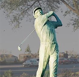golfing statue